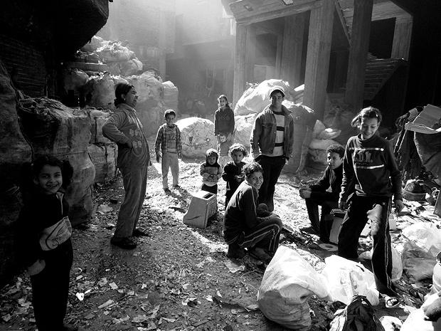 my-neighbourhood-cairos-rubbish-collectors-lst212350_thumb